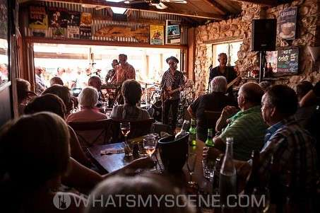 Mental As Anything at the Beach House Cafe SA, 16th January 2016